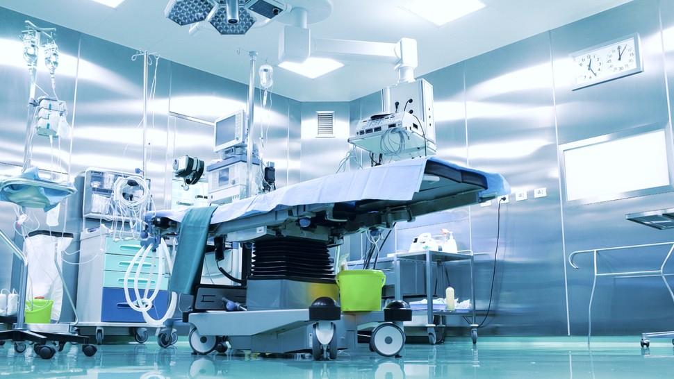 عمل المؤسسة في مجال بيع و تورد المعدات الطبية